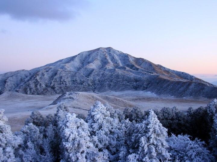 界阿蘇_冬の阿蘇山