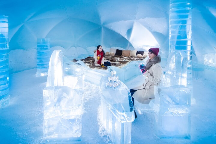 【トマム】氷のホテル_女性1